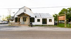 This Humble Restaurant In Louisiana May Be In The Middle Of Nowhere, But Their Food Is Worthy Of A Pilgrimage