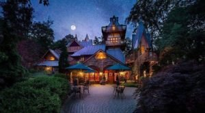 You'll Feel Like You're In A Fairytale When You Stay At This Enchanting Castle Hotel In The Midwest