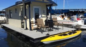 These 5 Houseboat Stays In Washington Offer A Truly Unique Experience