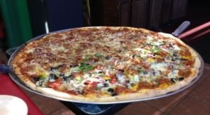 The Delicious Mississippi Restaurant With The Biggest Pizzas We've Ever Seen