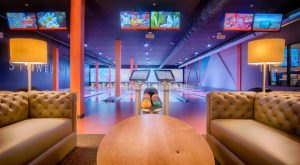 This Mountainside Bowling Alley Restaurant In Vermont Is Deliciously Fun