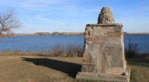 This Lake Monument In North Dakota Is So Hidden You'll Probably Have It All To Yourself