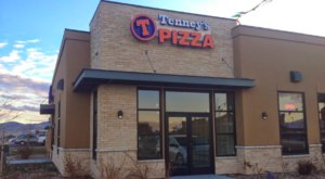 The Delicious Utah Restaurant With The Biggest Pizza We've Ever Seen