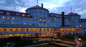 The Story Behind This Haunted Hotel In New Hampshire Is Truly Creepy