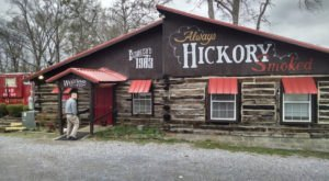 The Middle-Of-Nowhere BBQ Restaurant In Alabama Where Your Food Is Cooked In A Red Caboose