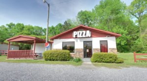 This Alabama Pizza Joint In The Middle Of Nowhere Is One Of The Best In The U.S.