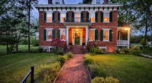 The Civil War-Themed Bed And Breakfast That Pennsylvania History Buffs Will Absolutely Love