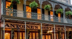 Each One Of The 14 Dining Rooms In This Historic New Orleans Restaurant Has A Fascinating Story