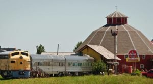 This Historic South Dakota Train Car Is Now A Beautiful Restaurant Right On The Tracks
