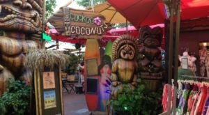 The Classic Outdoor Tiki Bar In Hawaii That Will Enchant You Beyond Words