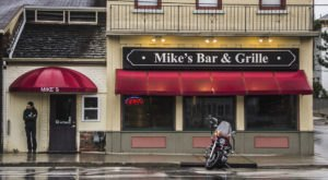 The Buffalo Egg Rolls At Mike's Bar & Grille Are Adored By Clevelanders