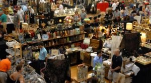 You Could Easily Spend All Day At This Enormous Oregon Flea Market