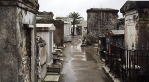The Above Ground Cemetery In New Orleans That's Equal Parts Creepy And Fascinating