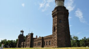 Take This Mini Road Trip To Climb Two Of New Jersey's Most Beautiful Lighthouses