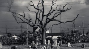 You Won't Want To Visit This Notorious Texas Cemetery Alone Or After Dark