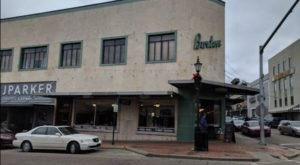People Drive From All Over For The Comfort Food At This Charming Mississippi Diner