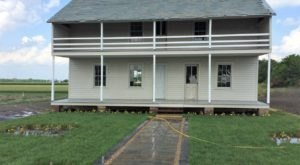 This Remote Living Heritage Museum Is Home To The Oldest Amish House In Illinois