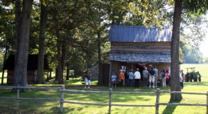 This Authentic Pioneer Settlement In Rural Tennessee Is The Definition Of A Hidden Gem