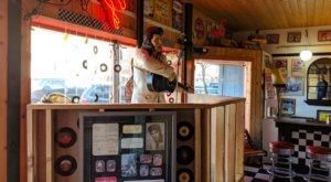Revisit The Glory Days At This 50s-Themed Restaurant In Minnesota