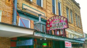 You Can Drink Beer While You Shop At This Quirky Antique Store In Texas