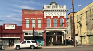 The Oldest Bar In Alabama Has A Fascinating History