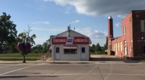 Blink And You'll Miss These 10 Tiny But Mighty Restaurants Hiding In Minnesota