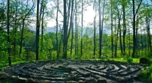 This Magical Hike Through The Woods In Connecticut Will Lead You To Your Very Own Labyrinth