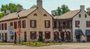 The Oldest Hotel In Kentucky Is Also One Of The Most Haunted Places You'll Ever Sleep