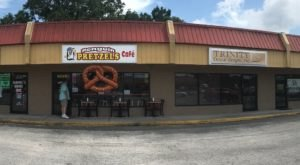 The Hometown Pretzel Bakery In Florida Where You'll Find Hand-Twisted Deliciousness