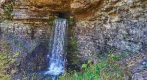 There's No Better Time To Take This Waterfall Cave Hike In Arkansas Than Right Now