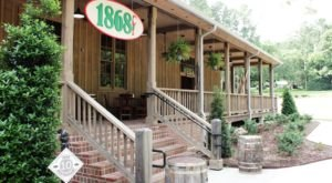 This Tiny Island Restaurant Is One Of Louisiana's Best Kept Secrets