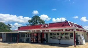 The Burgers And Shakes From This Middle-Of-Nowhere Louisiana Drive-In Are Worth The Trip