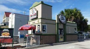 The Hot Dogs At This Florida Eatery Are Absolutely Overloaded With Tasty Toppings