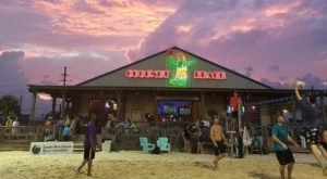 Visit The Best Beach Bar In Louisiana Where It Always Feels Like You're On Summer Vacation