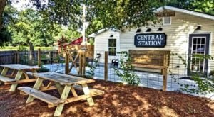 Experience The Best Of Mississippi Wine Country With A Visit To This Charming Restaurant