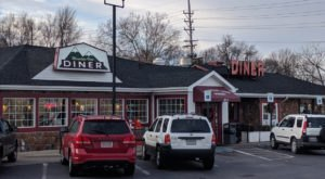 This Unassuming Restaurant In West Virginia Serves The Best Doggone Food You've Had In Ages