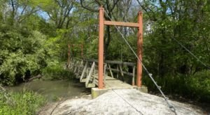 The Beautiful Bridge Hike In Illinois That Will Completely Mesmerize You