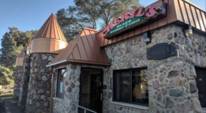 The Small-Town Castle Restaurant In Michigan Where Dining Is A Dream