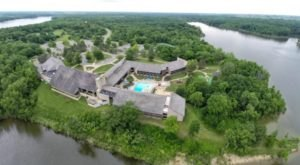 This Dreamy Ohio Resort Is Surrounded By Water And Is Just Waiting For You To Arrive