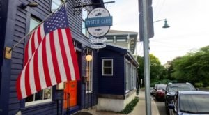 The Small Connecticut Town That's Home To An Award-Winning Restaurant