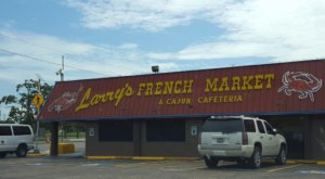 A Ramshackle Cajun Market In Texas, Larry's Serves Some Of The Best Seafood Around