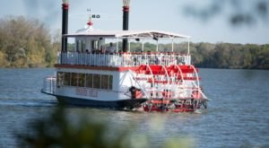 Spend A Perfect Day On This Old-Fashioned Paddle Boat Cruise Near Detroit