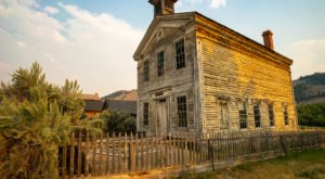The One Creepy Ghost Town In The U.S. That Will Chill You To The Bone
