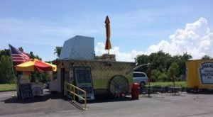 This Hot Dog Stand In Missouri Has More Than Two Dozen Types Of Hot Dogs & You'll Want To Try Them All
