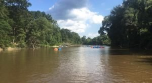 The River Campground Near New Orleans Where You'll Have An Unforgettable Tubing Adventure