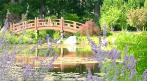 Spring Is The Most Beautiful Time Of Year To Visit This Undeniably Captivating Garden In Indiana