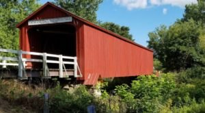 8 Undeniable Reasons To Visit The Oldest And Longest Covered Bridge In Illinois