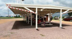 The Roadside Hamburger Hut In Minnesota That Shouldn't Be Passed Up