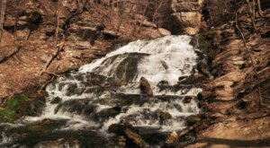 The Hike To This Little-Known Iowa Waterfall Is Short And Sweet