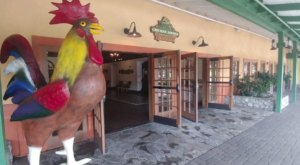 This Old-School Southern California Restaurant Serves Chicken Dinners To Die For